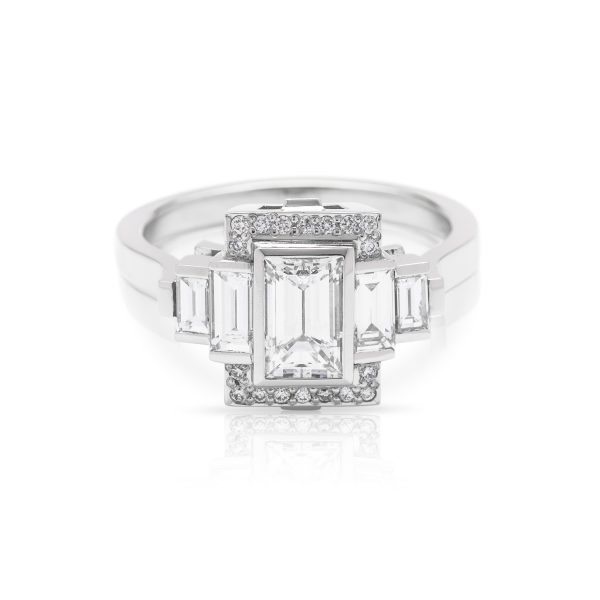 Bagguette cut Diamond Platinum engagement ring