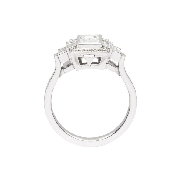 Bagguette cut Diamond Platinum engagement ring - side view