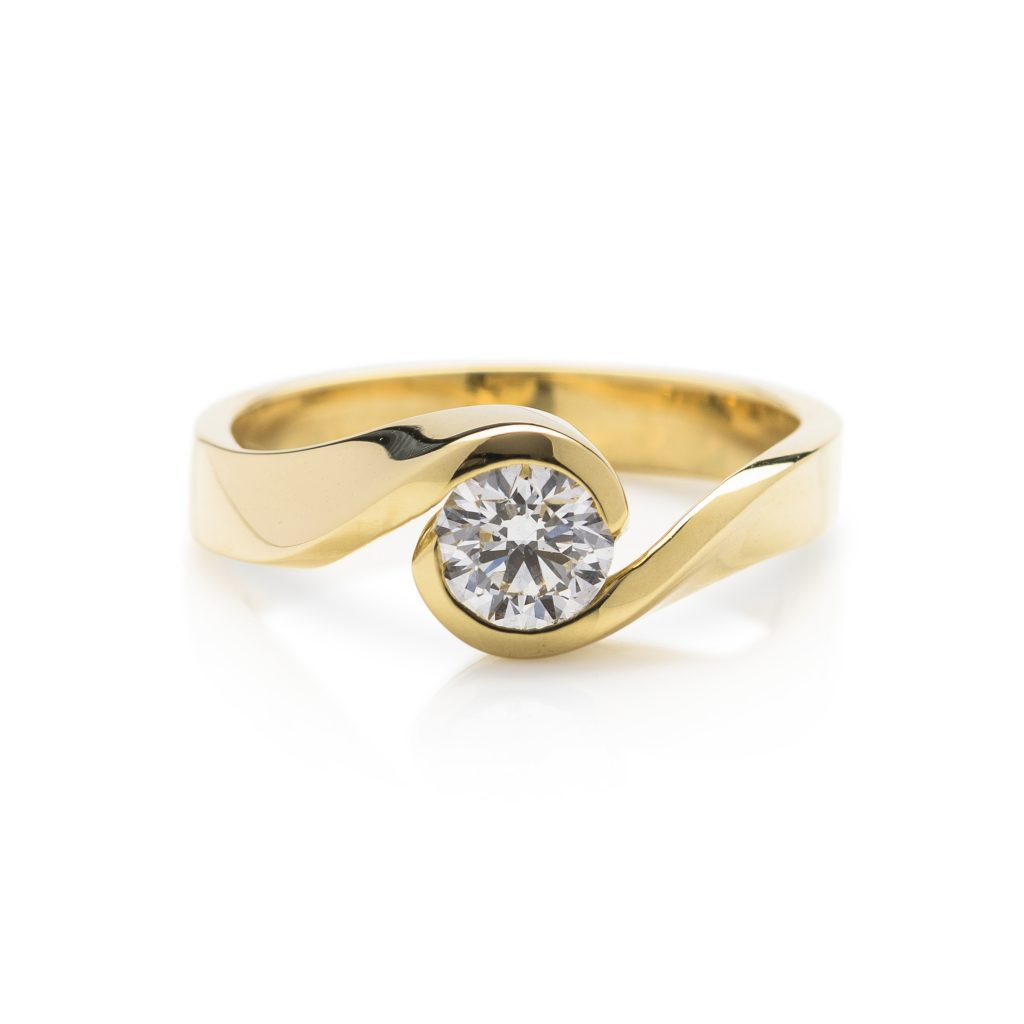 modern 18ct yellow gold single stone diamond engagement ring