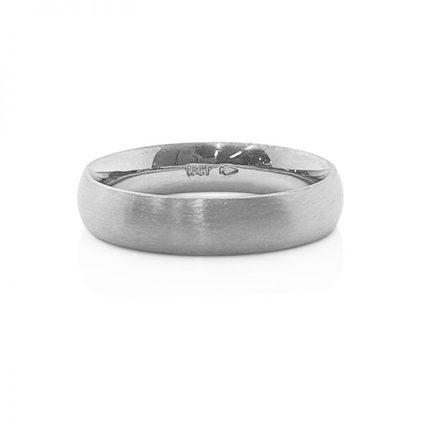 18ct White gold traditional gent wedding band
