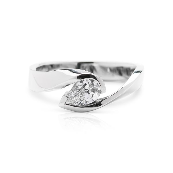 modern platinum single stone pear shaped diamond engagement ring