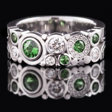 Tsavorite Carbonated Ring Narrow [Style 2 | E½ | Green]