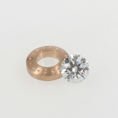 18ct rose gold halo and diamond