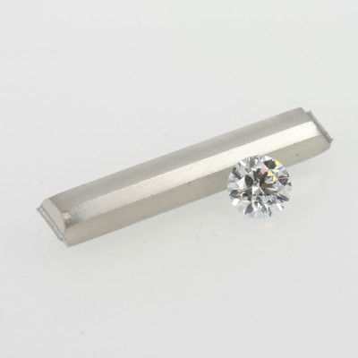 Platinum bar and diamond