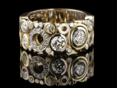 Carbonated ring 18ct Yellow and White Gold